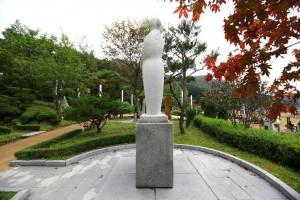 뿌리공원 성씨비 (광주이씨,좌측면)